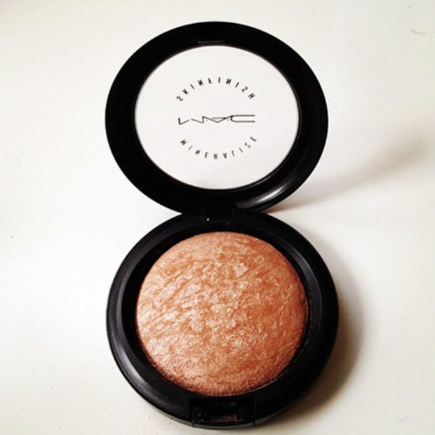 M.A.C mineralise bronzer