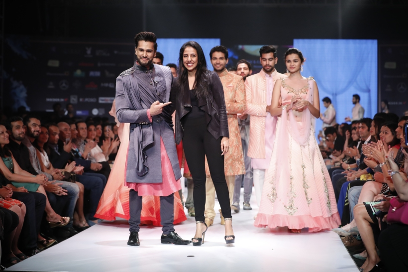 6th Edition - Pune Fashion Week - Mr. World Rohit Khandelwal look suave as a showstopper in Nivedita Saboo's collection at the Grand Finale 1.JPG