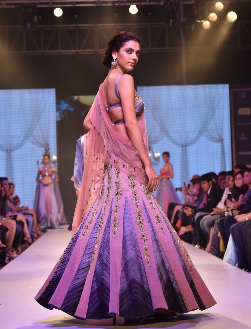 Designer Nivedita Saboo's Grand Finale for Pune Fashion Week, 2016 (10).jpg